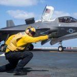 Lockheed Martin представила на видеосюжет на YouTube с участием ветерана ВВС США лётчика-испытателя Тони «Брик» Уилсона, который рассказал о возможнсотях истребителя 5-го поколения F-35